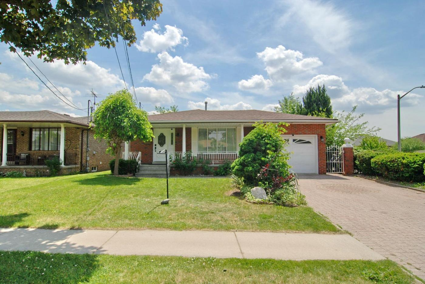 Excellent Location Having Quick Access To Hwy 401