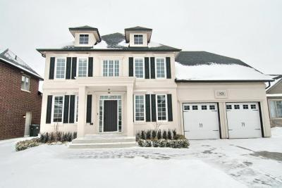 2 year new Stunning Home previously a model.